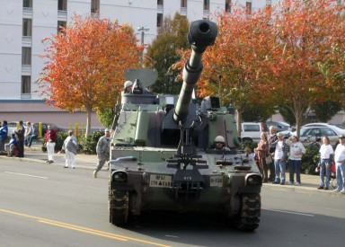 This tank maneuvers on lower Broadway in Nashville during Veteran's Day Parade 2012. (Photo by Lee Roberts)