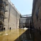 Maintenance team repairs dewatered Chickamauga Lock