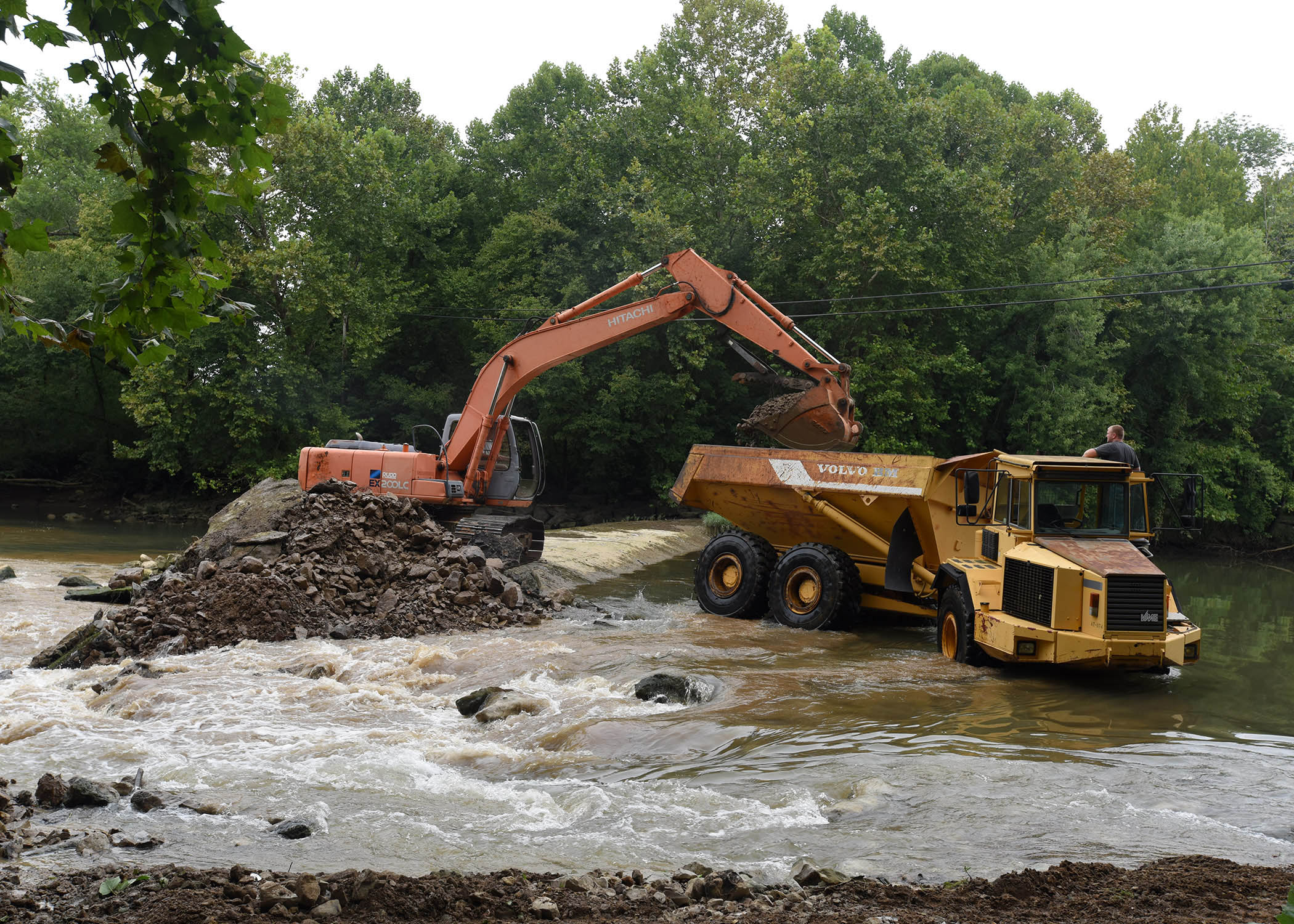 Stream restoration underway with roaring river dam removal for Tennessee fish and wildlife